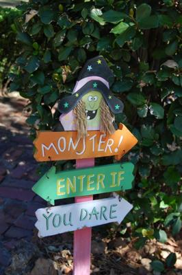 Witch  Halloween Yard Decorations