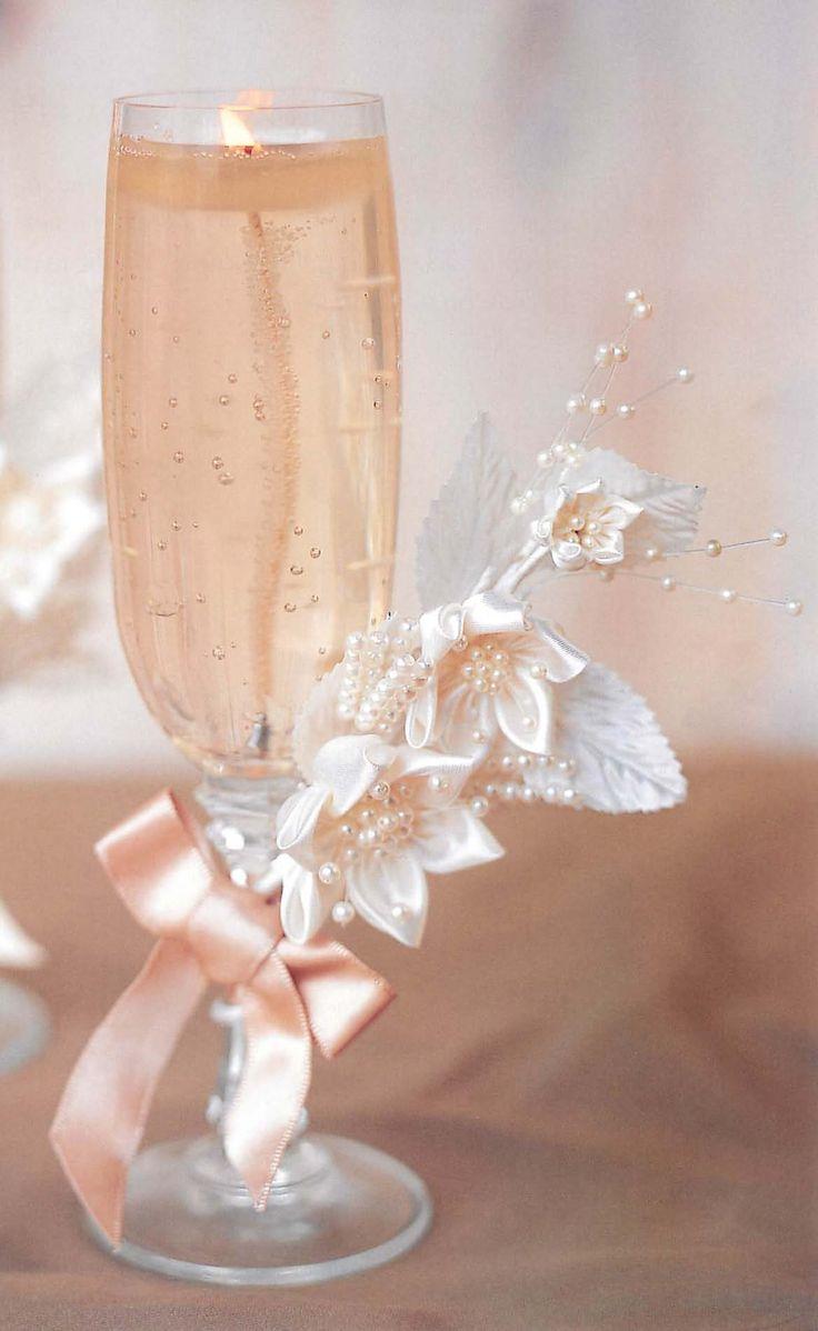 Gel Candle Wedding Favor Flower Idea