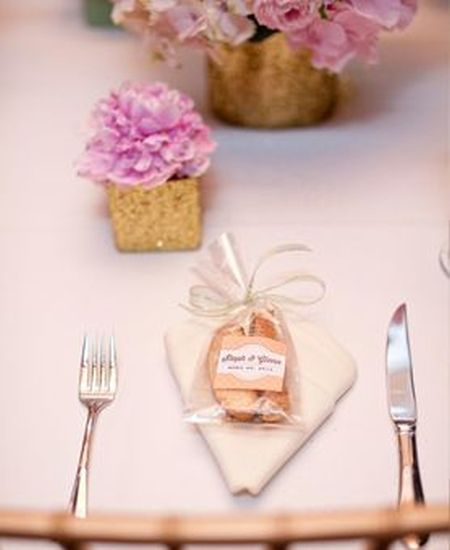 Biscotti Wedding Favor Table Setting