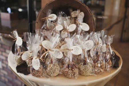 Candy Apple Wedding Favor Design Idea