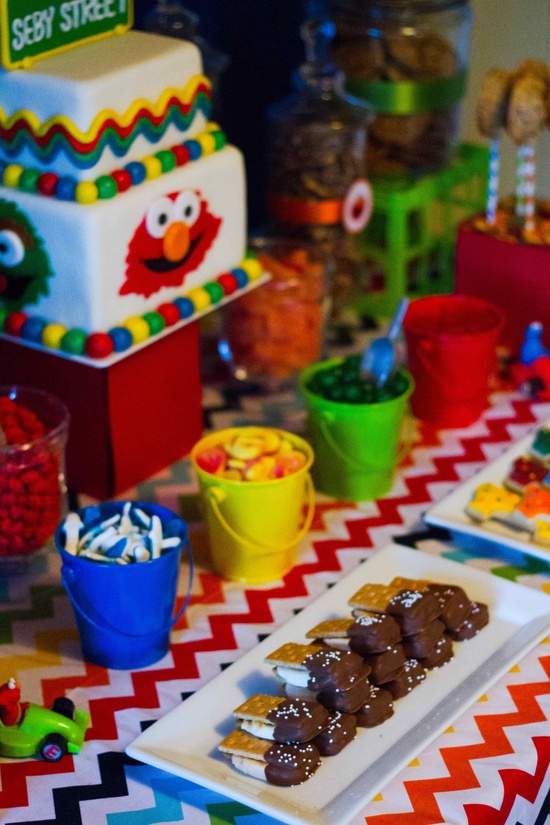 Bright Elmo Birthday Party Ideas