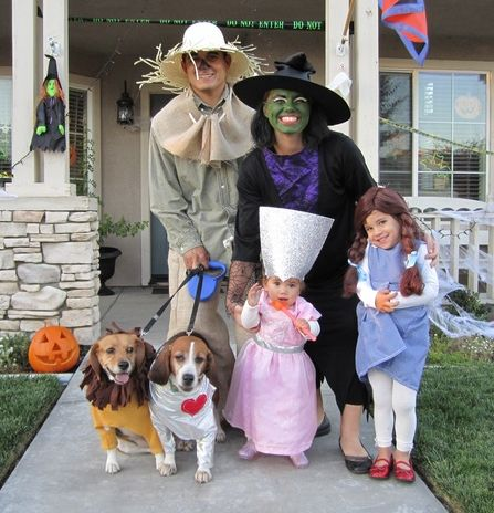 Family Wizard of Oz Halloween Costumes