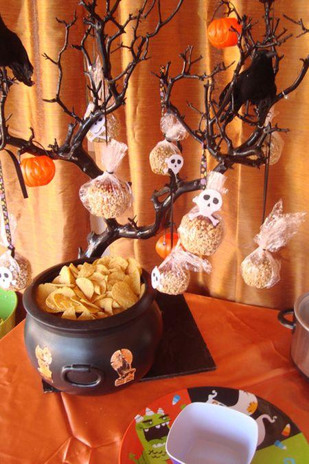 Halloween Treats For Kids Tree
