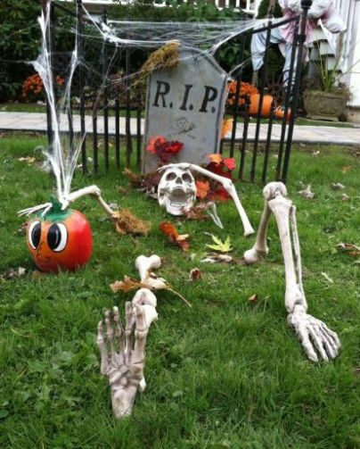 Graveyard Halloween Yard Decorations