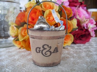 Pail Of Hershey Kiss Wedding Favors