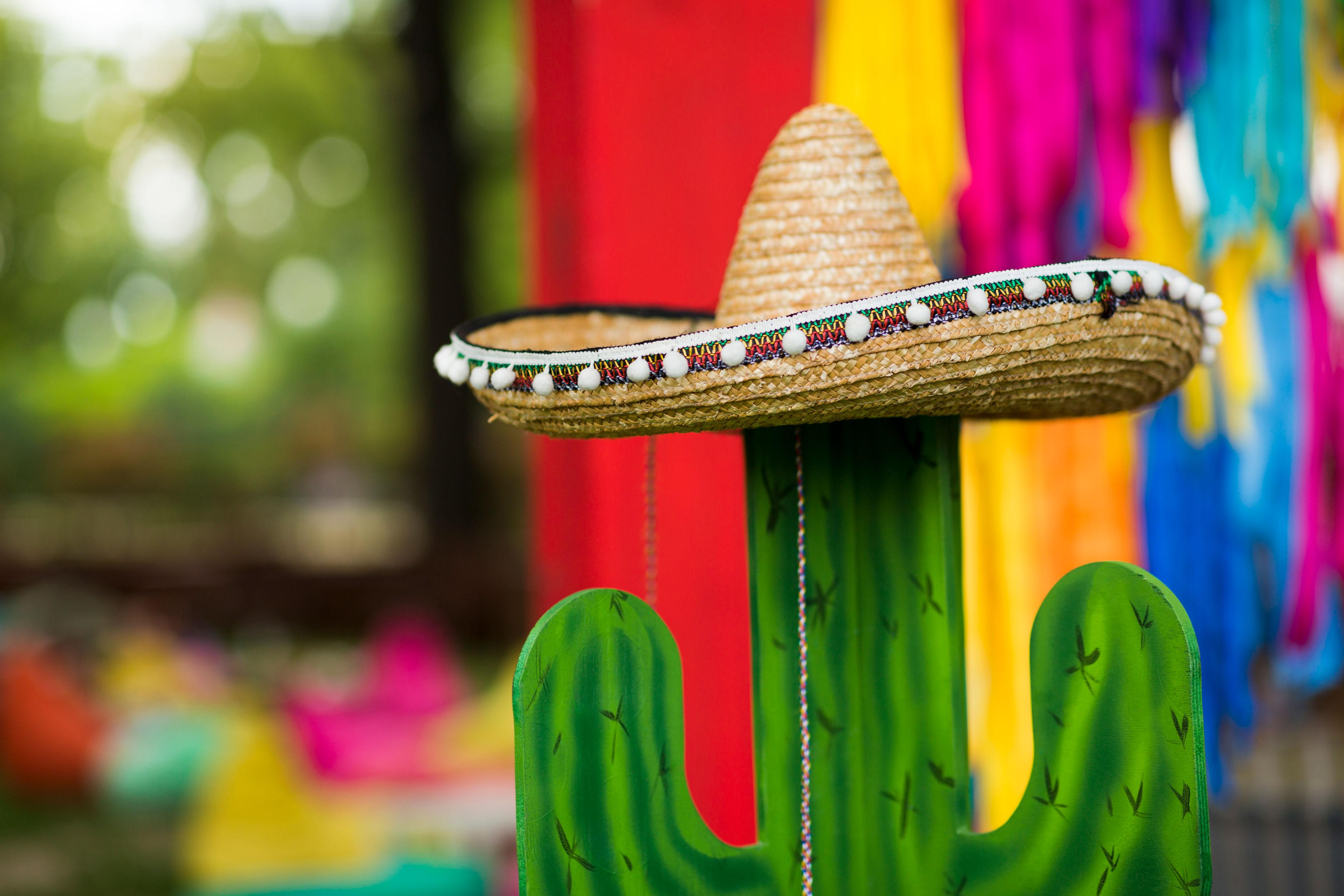 Fiesta-50th-Birthday-Party-Ideas