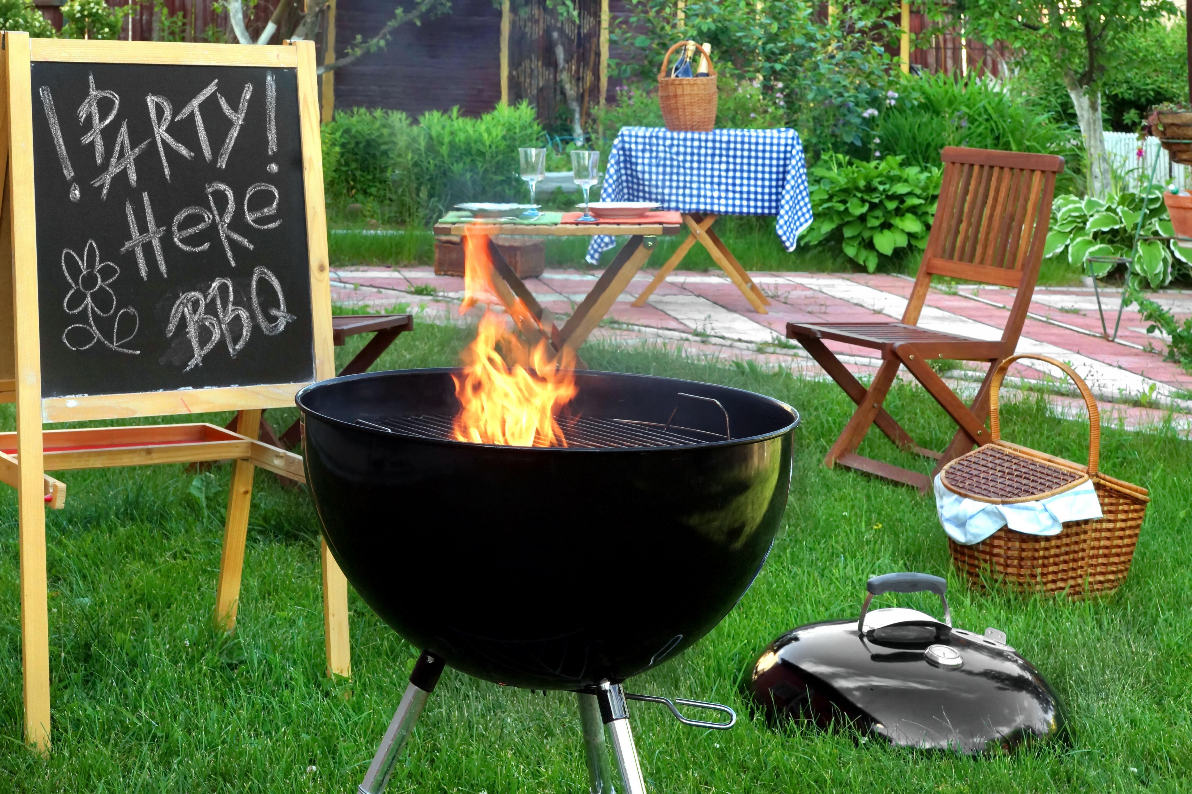 Backyard-BBQ-50-Birthday-Party