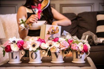 Wedding Gift Etiquette Wedding Party : Bridal Shower Etiquette