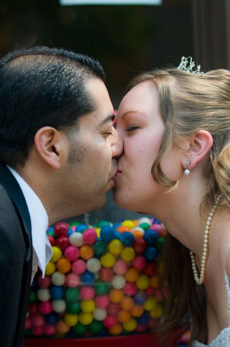Bubblegum Wedding Favors Kiss
