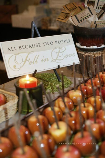 Lovely Candy Apple Wedding Favors