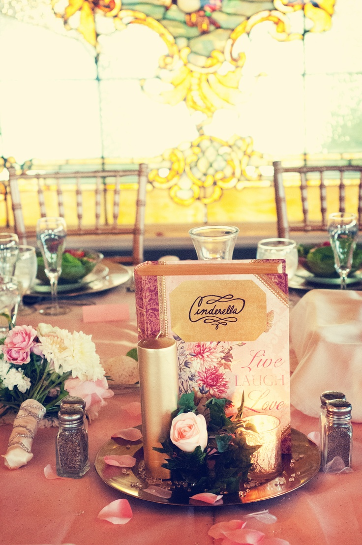 Enchanting Place Setting For Wedding Favors