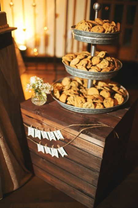 Casual Cookie Bar Wedding Favors