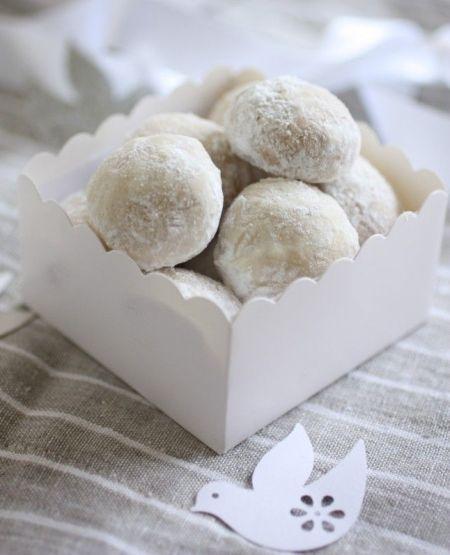Simply white Danish Wedding Cookies