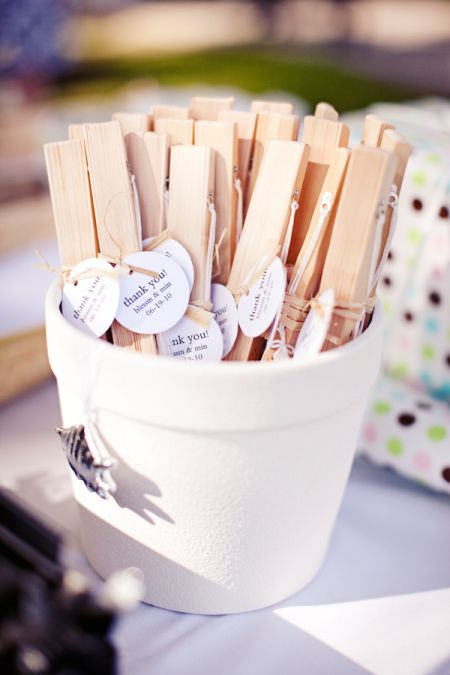 Creative Wedding Favor Fan Display
