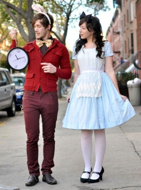 Alice In Wonderland Halloween Costume Idea