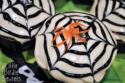 Spider Web Halloween Cupcake Ideas