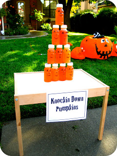 Knocking Down Pumpkins Halloween Kids Game