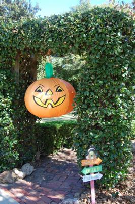 Inflatable Pumpkin Halloween Yard Decoration
