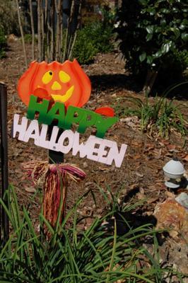 Happy Halloween Yard Decoration
