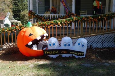 Trick or Treat Halloween Yard Decoration