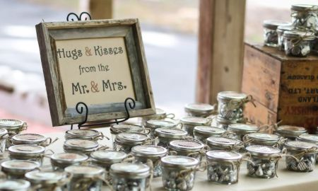 Hershey Kisses Candy Wedding Favor Idea