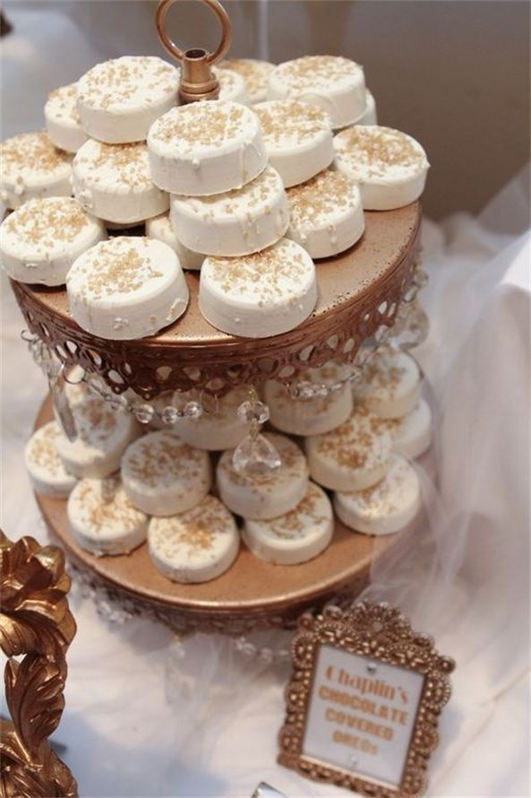 Glamorous Oreo Cookie Favor Idea