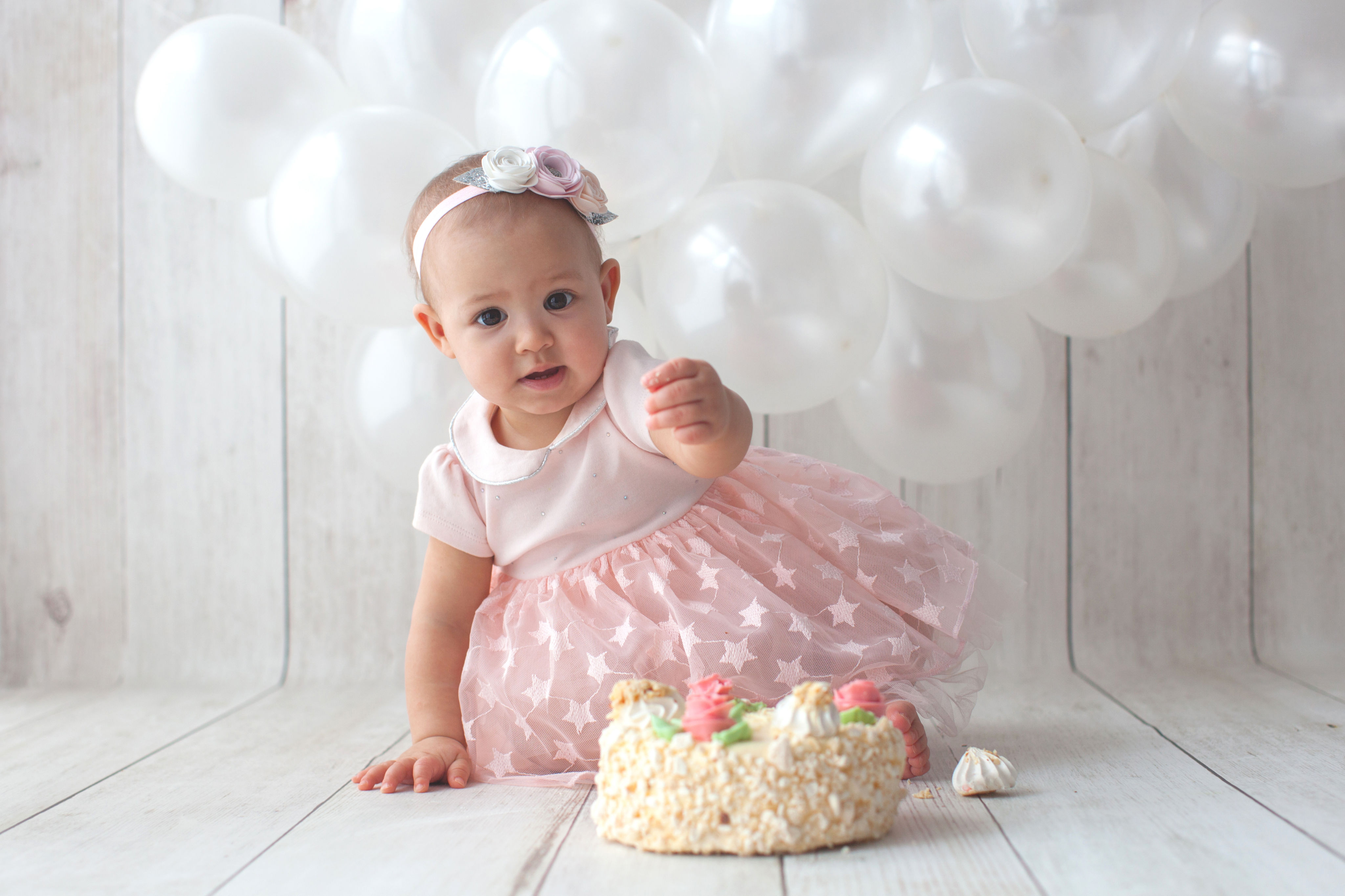 first-birthday-outfit-girl