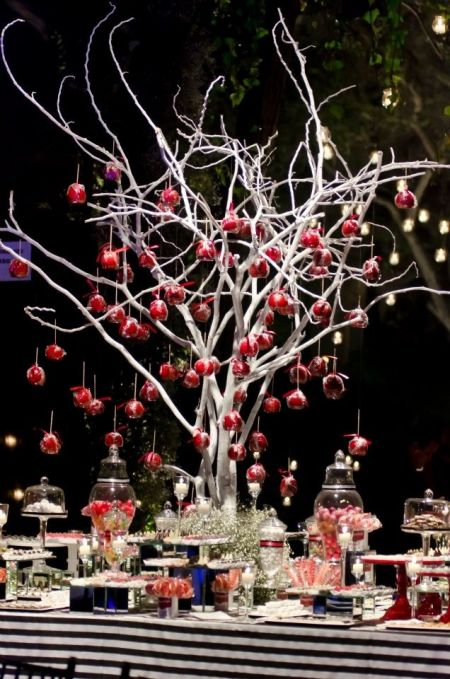 Creative Candy Apple Wedding Favor Display