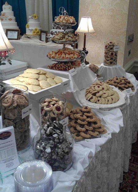 Creative Cookie Bar Wedding Favor Idea