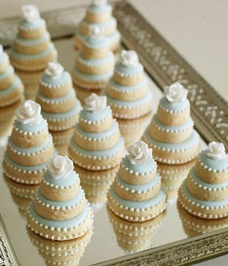 Simple Decorated Wedding Cookie Idea