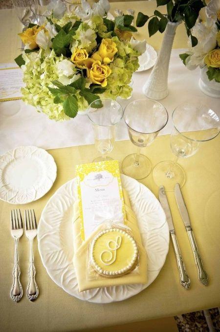 Stylish Decorated Wedding Cookie