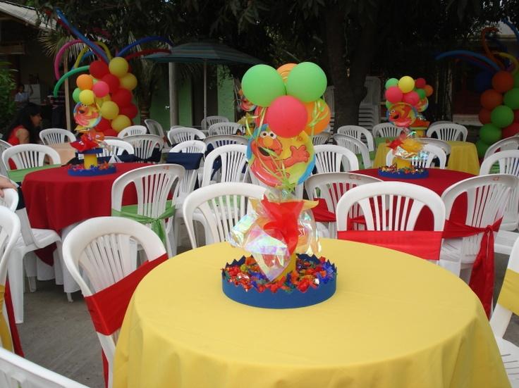 Creative Elmo Birthday Party Table Idea