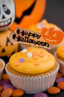 Happy Halloween Cupcake Idea