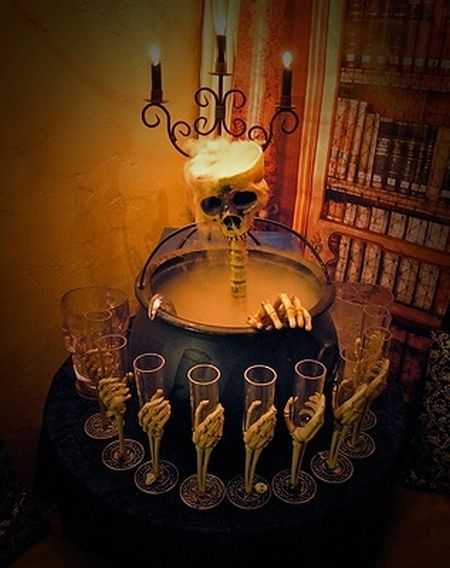 Skeleton Halloween Party Punch Bowl
