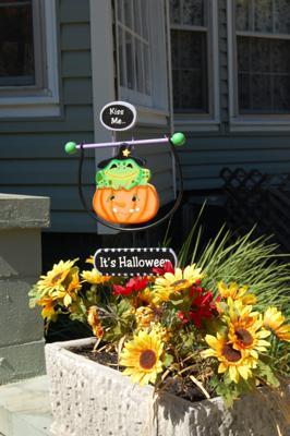It's Halloween Yard Decoration