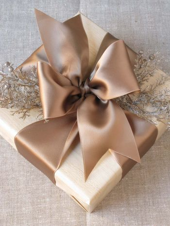 Making Your Own Wedding Favor Packaging