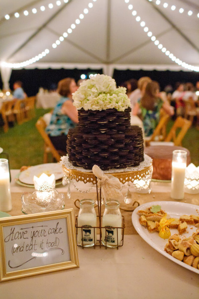 Oreo Cookie Favor Wedding Cake